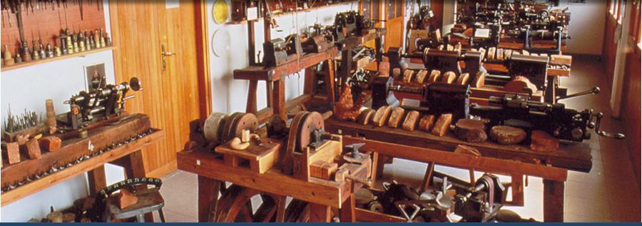 Lavorazione delle pipe in radica - Museo della pipa di Gavirate